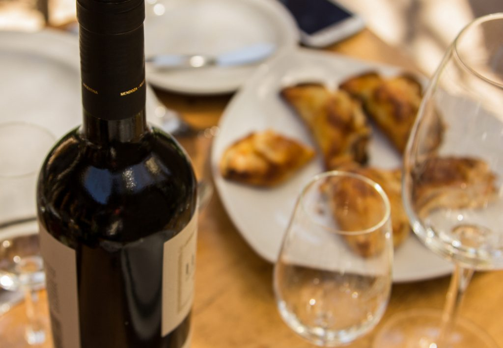 The DNA of the Argentine table: empanadas paired with wine