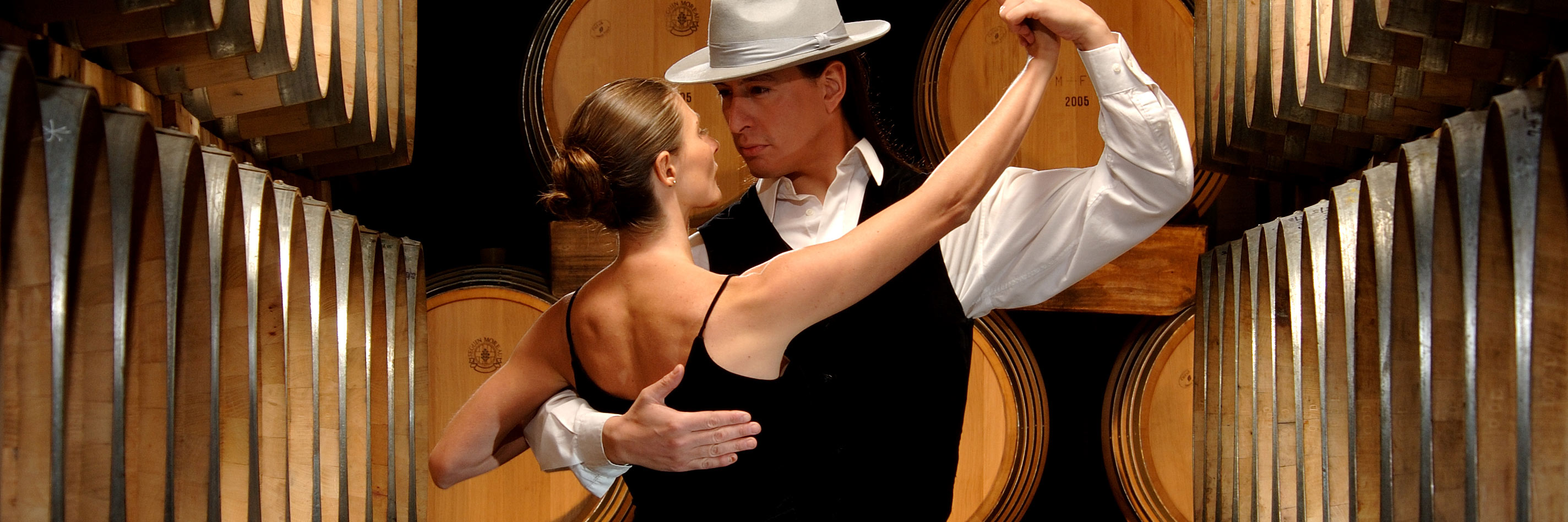 tango-dancers-winery-wofa