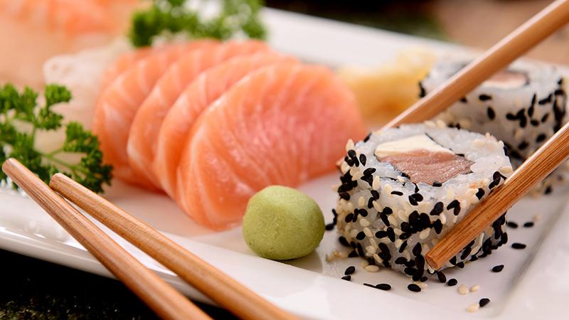 sushi y vino